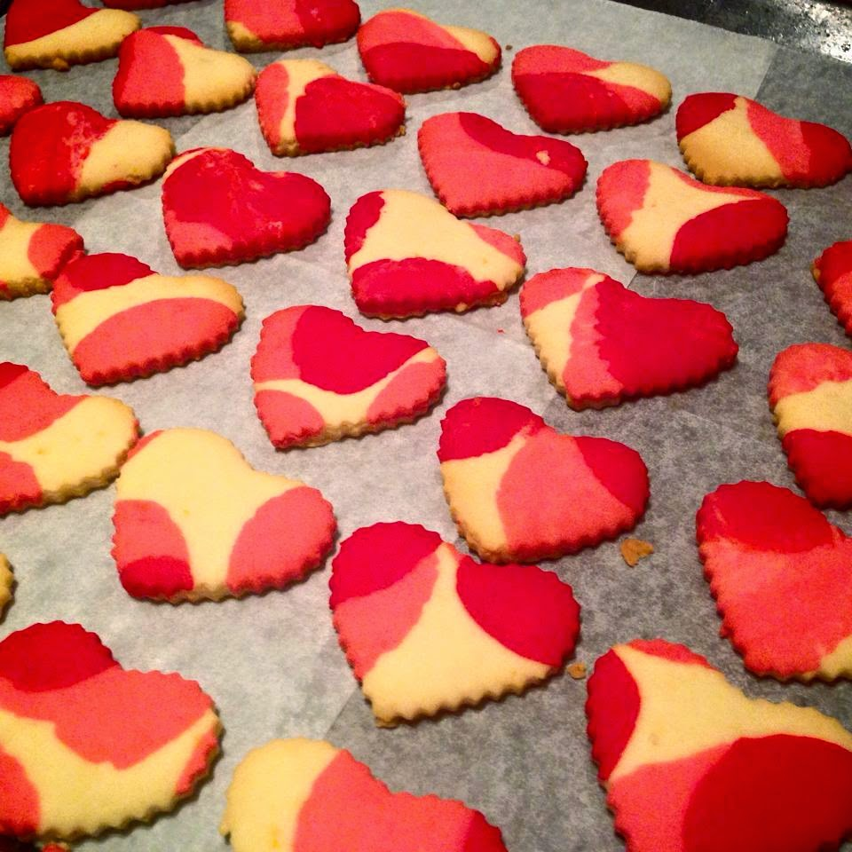 Sevgililer Günü'ne özel kalpli kurabiye tasviri