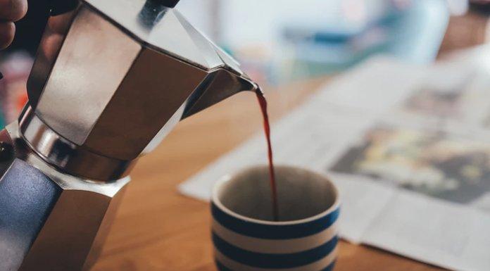 Daha Fazla Yağ Yakmak İçin Kahvenize Bu 3 Malzemeyi Koyun