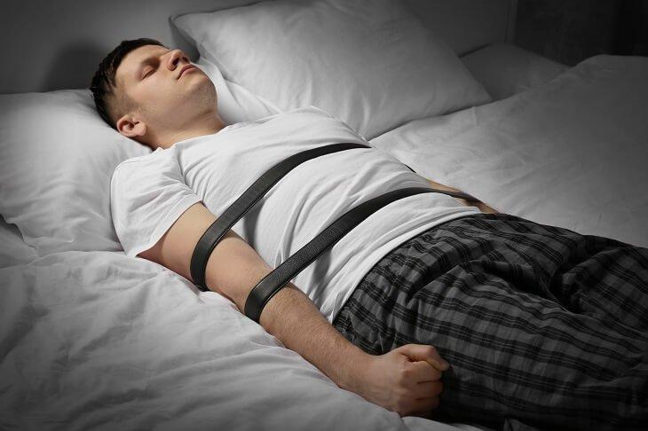 Halk Arasında Karabasan Olarak Bilinen Uyku Felci Neden Olur ?