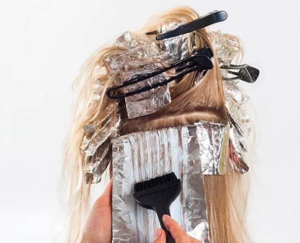 Saçlarınıza Kına sürmenin akıl almaz faydaları ortaya çıktı
