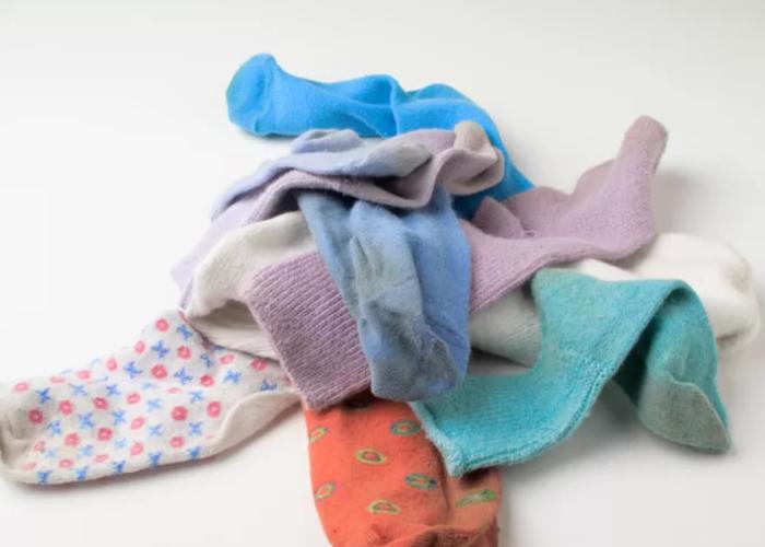Eskiyen Çoraplarınızı Sakın Çöpe Atmayın Neden mi ?